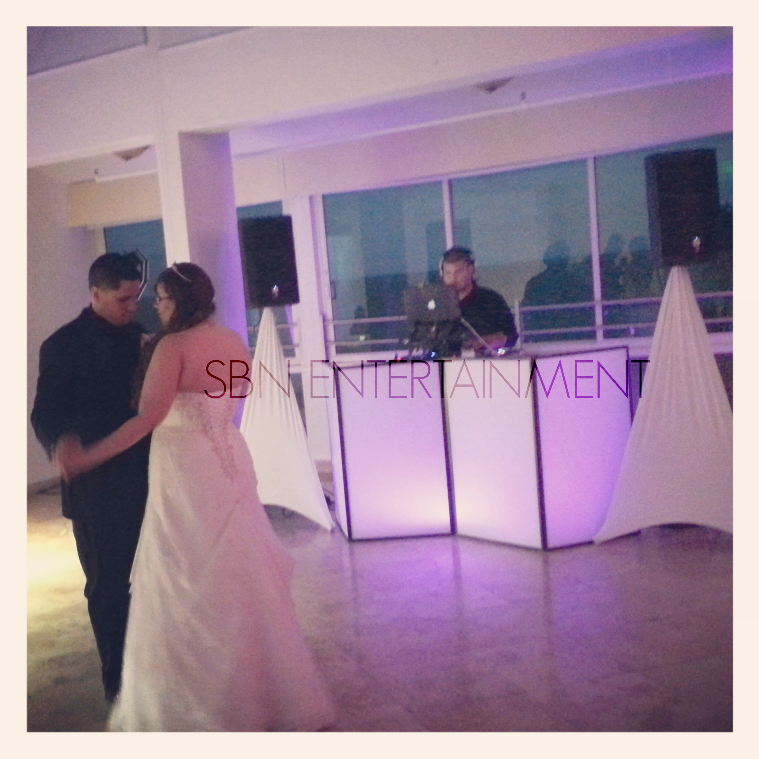 FOTO 14 DJ EN COMFORT INN LEVITTOWN | SBN ENTERTAINMENT Inc.