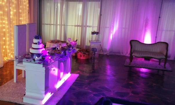 Mesa de Dreams By Mya SBN Entertainment Dj Eric Rosario DJ Para Bodas